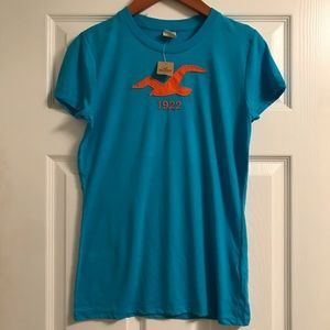 Hollister women's  T-shirt L new with tags